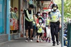 保安部隊及部門按負責的分區協助低窪地區人士進行點對點的疏散撤離
