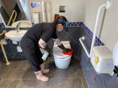 加強座廁之清潔消毒工作