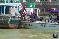 向模擬入水船隻展開救援行動