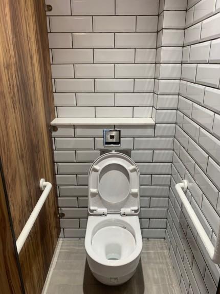感應式座廁